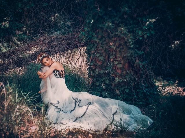 【夢占い】童話の夢の6つの意味*白雪姫・シンデレラ・美女と野獣